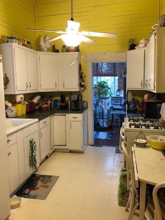 Kitchen featured at 93 E Pine St, Pachuta, MS 39347
