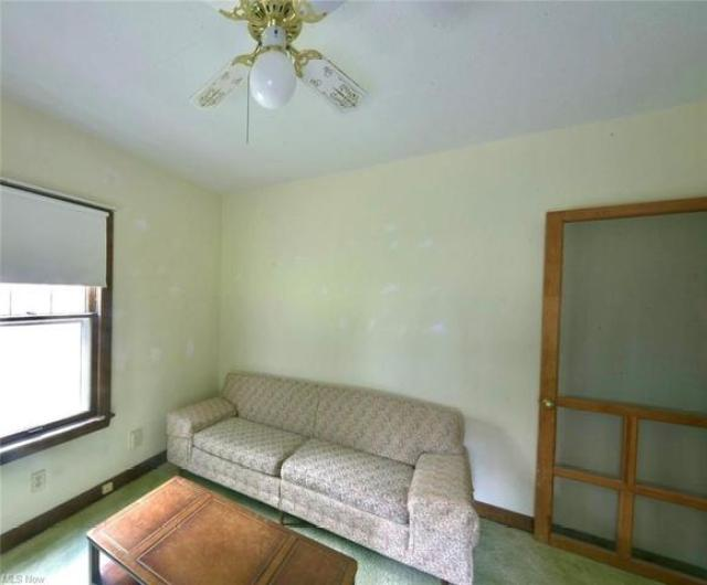 Bedroom featured at 208 Berkshire Dr, Youngstown, OH 44512