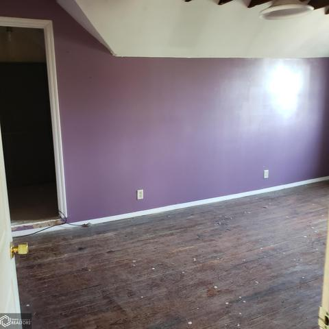 Bedroom featured at 514 W State St, Centerville, IA 52544