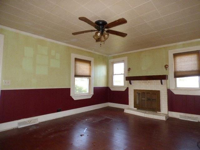 Living room featured at 8118 James D Hagood Hwy, Scottsburg, VA 24589