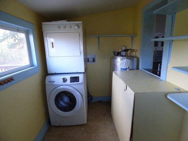 Laundry room featured at 8118 James D Hagood Hwy, Scottsburg, VA 24589