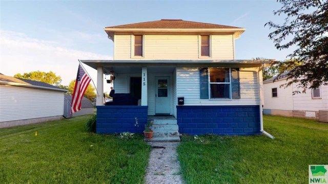 Porch featured at 115 E Linn St, Cherokee, IA 51012
