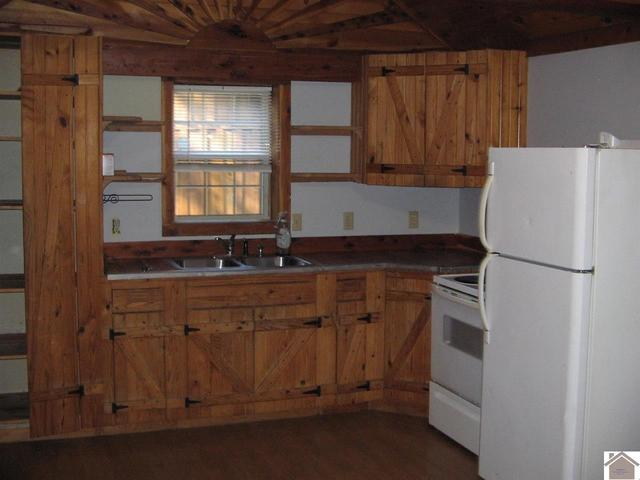 Kitchen featured at 1365 Old Dover Rd, Cadiz, KY 42211