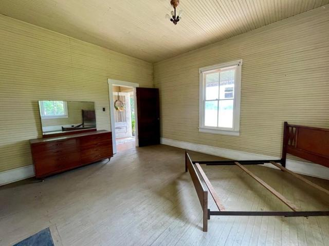 Bedroom featured at 1467 Museville Rd, Chatham, VA 24531
