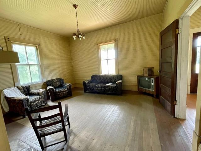 Living room featured at 1467 Museville Rd, Chatham, VA 24531