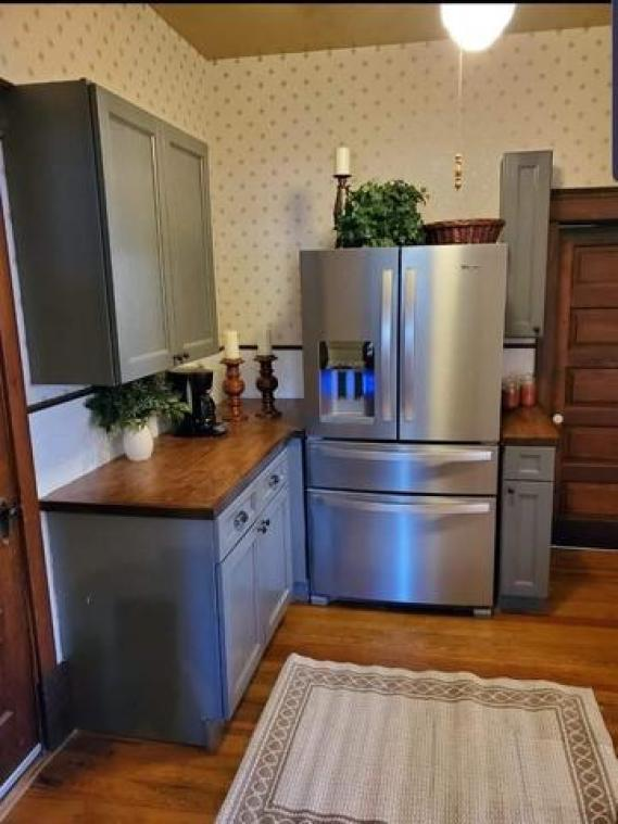 Kitchen featured at 211 N Rodehaver St, Oberlin, KS 67749