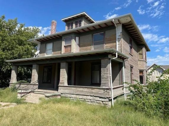 House view featured at 710 W Church St, Albion, NE 68620