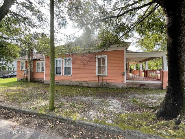 House view featured at 210 Paris Ave, Greenville, NC 27834