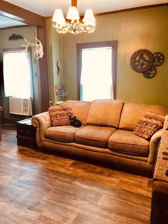Living room featured at 1322 21st St, Belleville, KS 66935