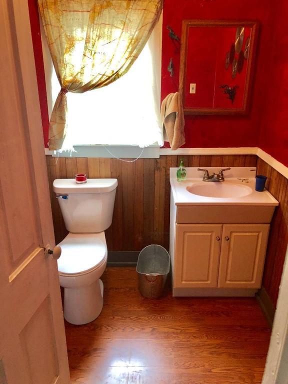 Bathroom featured at 1322 21st St, Belleville, KS 66935
