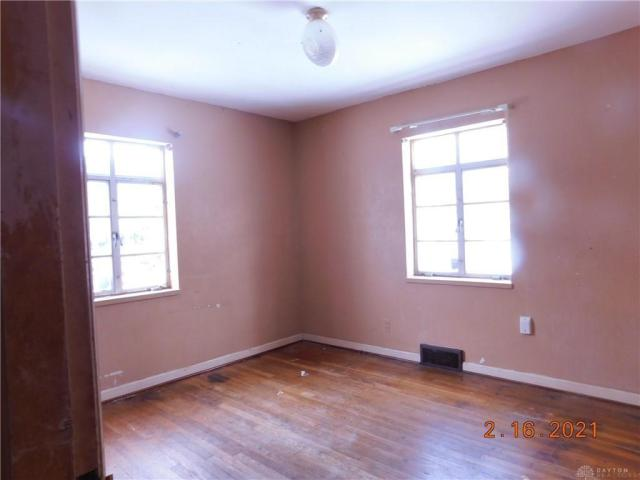 Bedroom featured at 1812 Tennyson Ave, Dayton, OH 45406