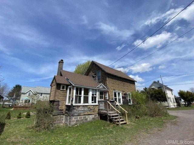 House view featured at 25842 Cedar St, Calumet, MI 49913