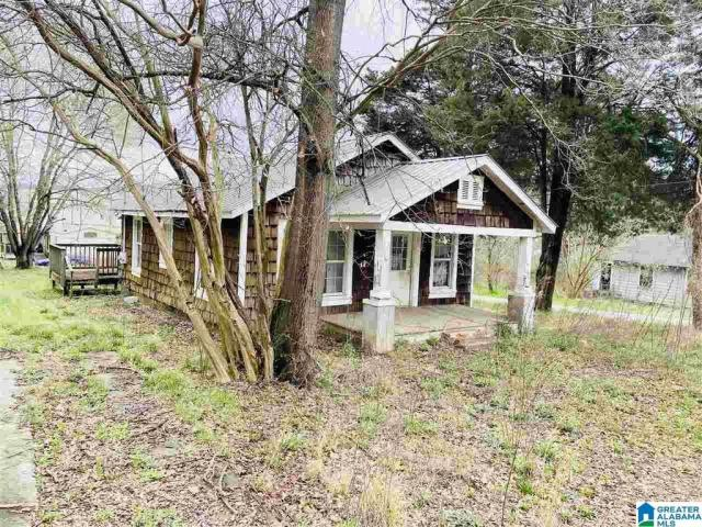 House view featured at 801 Parker St, Anniston, AL 36201