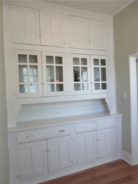 Porch featured at 925 Ward St, Marlin, TX 76661