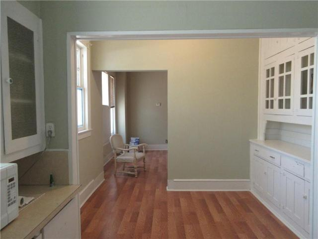 Laundry room featured at 925 Ward St, Marlin, TX 76661