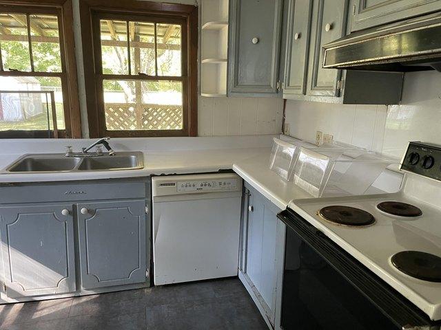 Kitchen featured at 3832 Flat St, Big Stone Gap, VA 24219