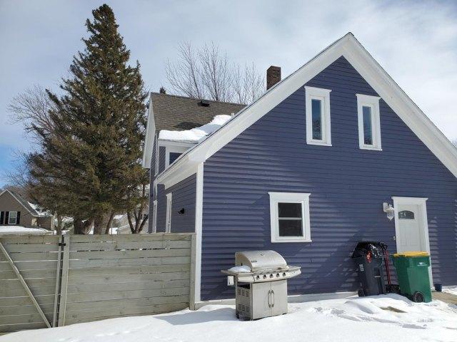 Garage featured at 220 Fremont St S, Lake Benton, MN 56149