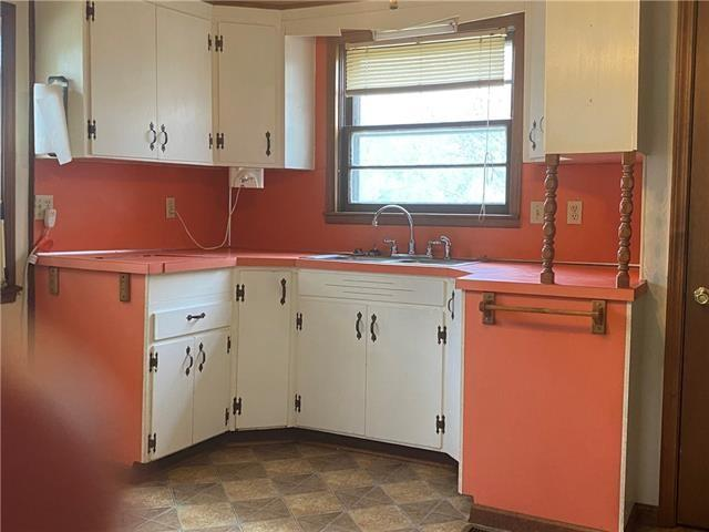 Kitchen featured at 403 W Pine St, Oregon, MO 64473