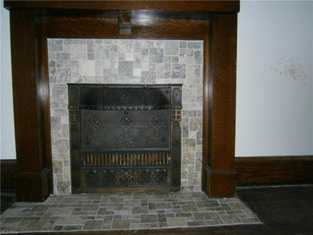 Property featured at 126 S Pearl St, Youngstown, OH 44506