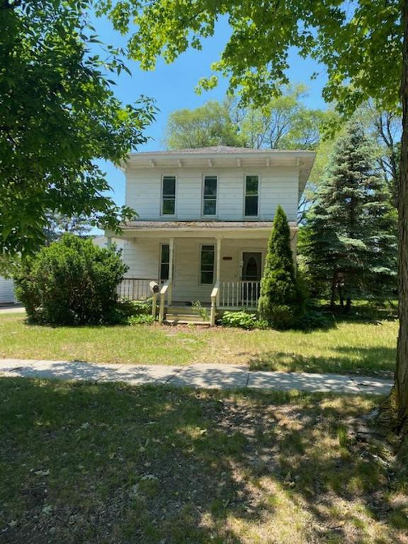House view featured at 120 Howard St, Caro, MI 48723
