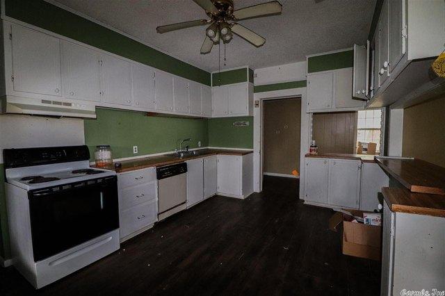 Kitchen featured at Bald Knob, AR 72010