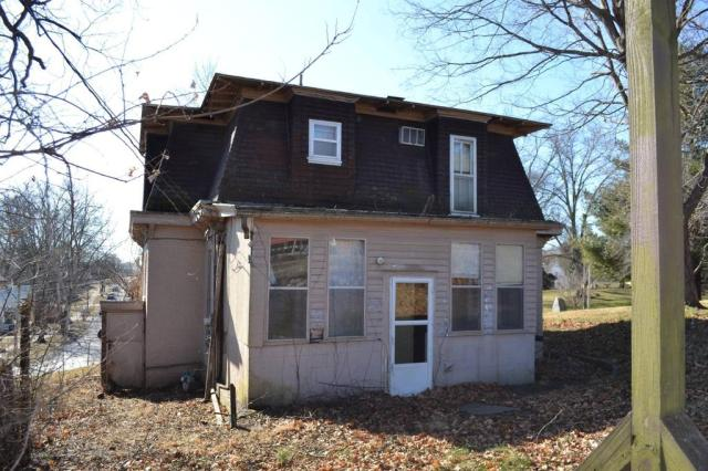 House view featured at 218 W North St, Grayville, IL 62844