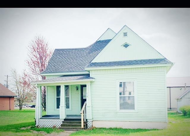 House view featured at 519 Main St, Bern, KS 66408