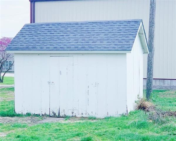 Farm land featured at 519 Main St, Bern, KS 66408