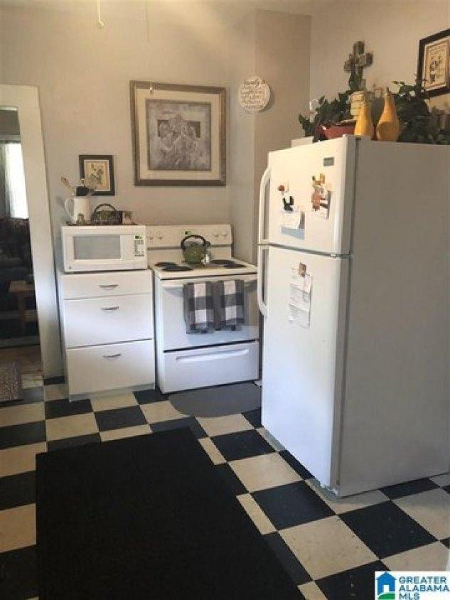 Laundry room featured at 234 Amory Ave, Cordova, AL 35550