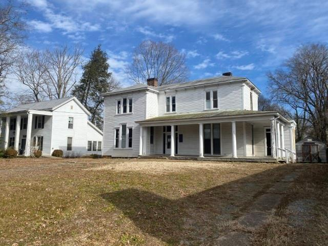 House view featured at 655 N Main St, Chase City, VA 23924