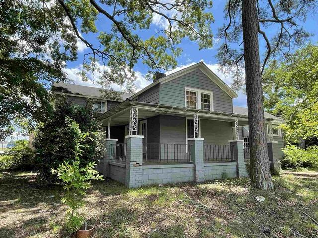 House view featured at 400 S Church St, Union, SC 29379