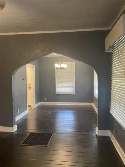 Property featured at 748 N Hollywood St, Memphis, TN 38112