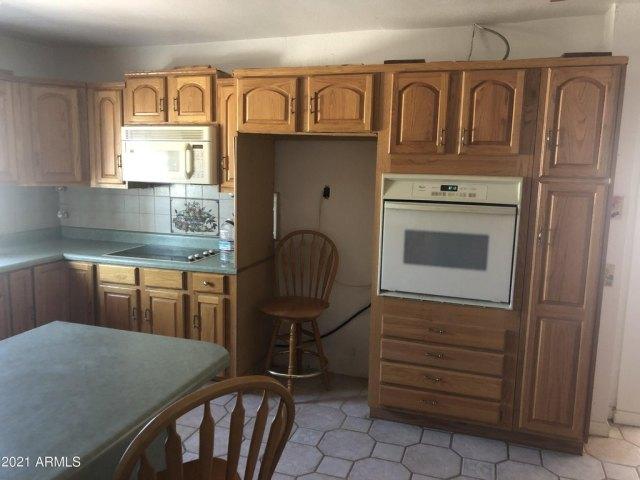 Kitchen featured at 3743 N Ajo Gila Bend Hwy, Ajo, AZ 85321