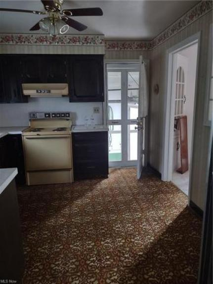 Kitchen featured at 27 W 4th St, Newton Falls, OH 44444