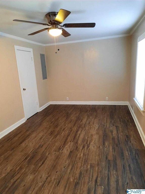 Bedroom featured at 1406 Peachtree St, Gadsden, AL 35901
