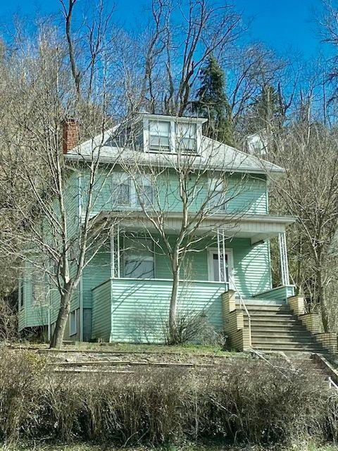 House view featured at 501 National Rd, Wheeling, WV 26003