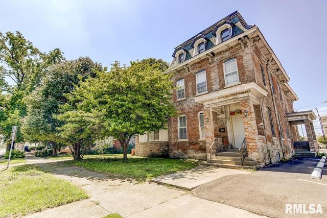 House view featured at 1211 S 6th St, Springfield, IL 62703