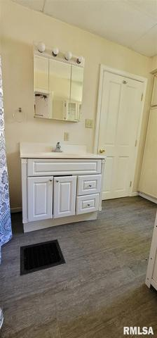 Laundry room featured at 814 N Mulberry St, Mount Carmel, IL 62863
