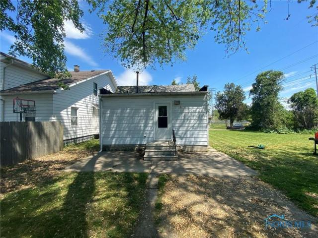 House view featured at 205 Milford St, Toledo, OH 43605
