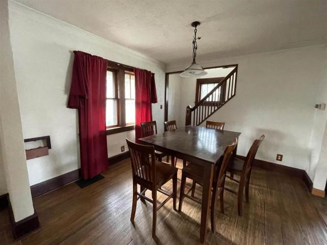 Dining room featured at 1611 N Court St, Rockford, IL 61103