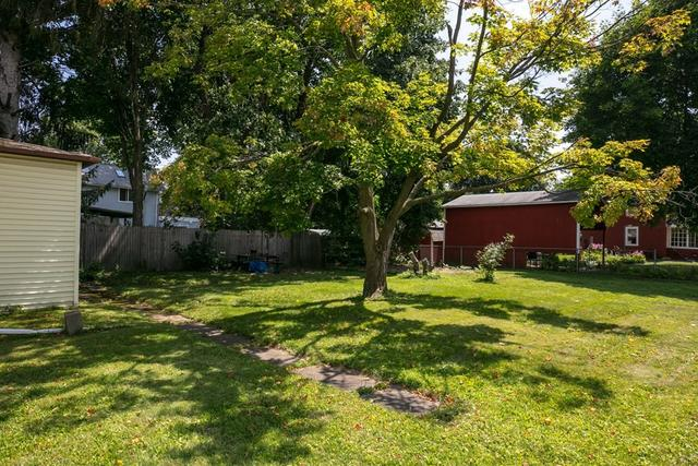 Yard featured at 211 W Miller St, Elmira, NY 14904