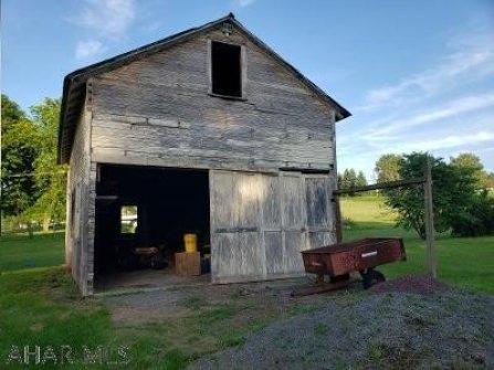 Farm land featured at 370 Chestnut St, New Enterprise, PA 16664