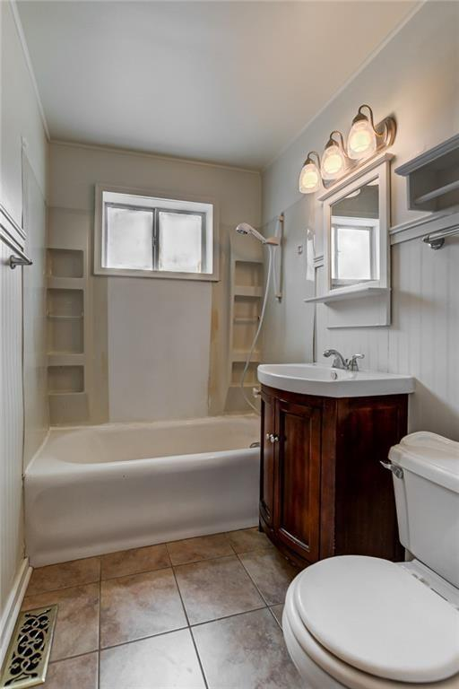 Bathroom featured at 709 S 22nd St, Decatur, IL 62521