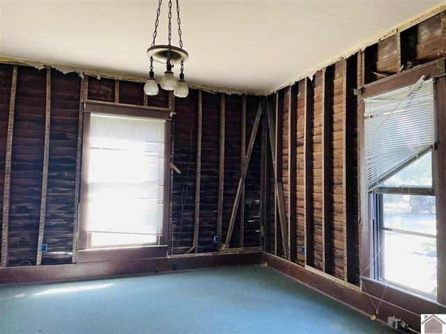 Property featured at 211 W Elm St, Marion, KY 42064