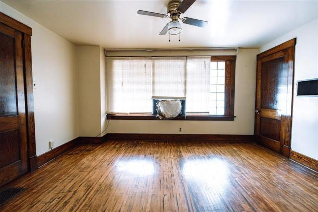 Living room featured at 725 2nd St, Monessen, PA 15062