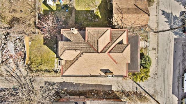 Yard featured at 1351 Hay St, Pittsburgh, PA 15221