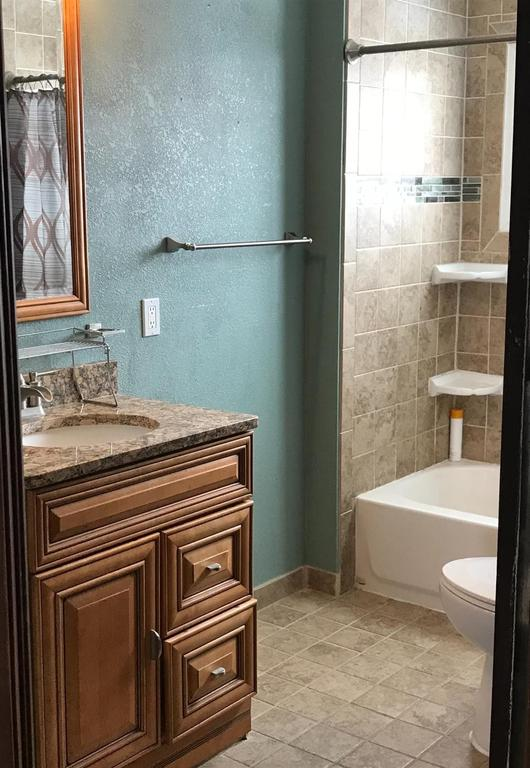 Bathroom featured at 313 Maple St, Cawker City, KS 67430