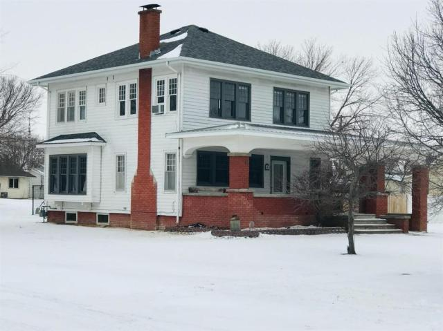 House view featured at 313 Maple St, Cawker City, KS 67430