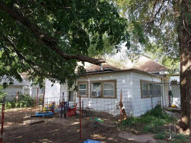 House view featured at 217 N Main St, Argonia, KS 67004