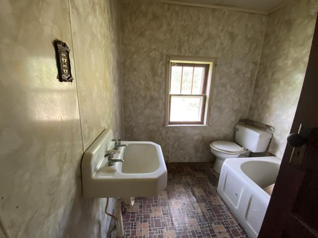 Bathroom featured at 3272 Willow Tree Rd, Ewing, VA 24248
